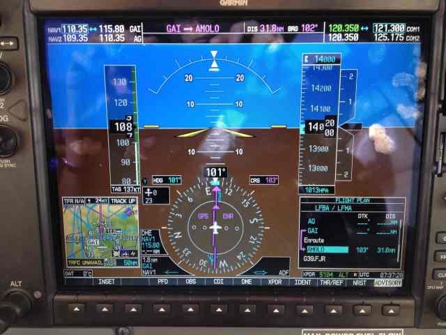 En croisière au FL140, ISA+15 Fuel Flow: 10.5 gph