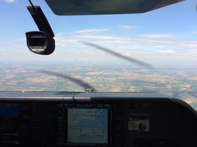 Approche RNAV 27 à Béziers. La carte d'approche apparaît sur le MFD.